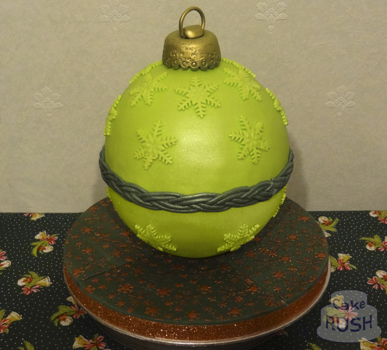 Christmas bauble cake