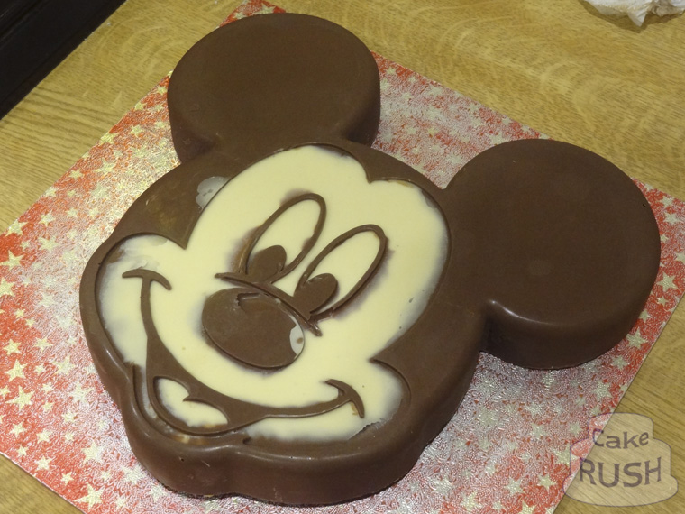 Mickey Mouse mould cake